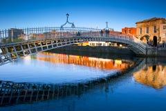 Pont de demi-penny à Dublin, Reland Photos libres de droits
