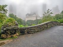 Pont de Gapstow le jour fogggy image libre de droits