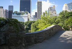 Pont de Gapstow sous la nuance Image stock