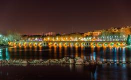 Pont de Joubi sur la rivière de Zayanderud à Isphahan images libres de droits