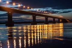 Pont de la Russie sur la grande île d'Ussuri près de Khabarovsk, Russie image stock
