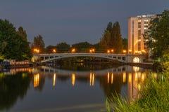 Pont de lecture au-dessus de la Tamise, Berkshire, Angleterre image stock