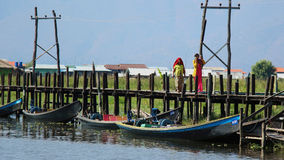 Pont de Maing Thauk, lac Inle photo libre de droits