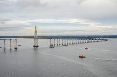 Pont de Manaus-Iranduba au-dessus de rivière de nègre. Image libre de droits