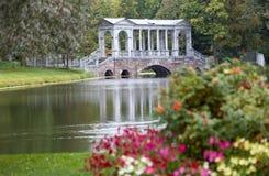 Pont de marbre. Catherine Park. Tsarskoye Selo Photographie stock libre de droits