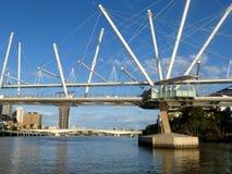 Pont de marche au-dessus de rivière de Brisbane, banque du sud, Brisbane, Australie Photo stock
