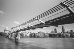 Pont de millénaire Photos stock