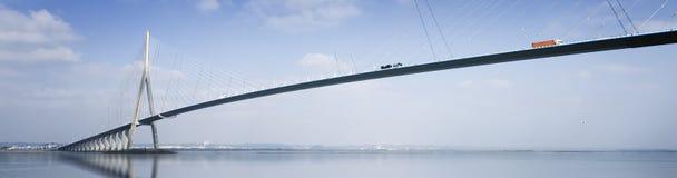 Pont de Normandy sobre o rio Seine, France Imagens de Stock Royalty Free