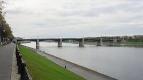 Pont de Novovolzhsky dans Tver Image stock