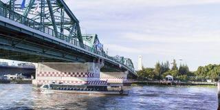 Pont de Phra Phuttha Yodfa, pont commémoratif en Thaïlande photos stock