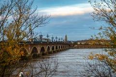 Pont de Pierre i Bordeaux, Frankrike royaltyfri foto