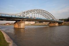 Pont de Pilsudski sur le fleuve Vistule à Cracovie Photographie stock libre de droits