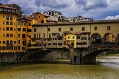 Pont de Ponte Vecchio au-dessus d'Arno River Photographie stock