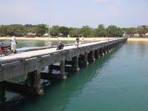 Pont de port vers l'île de PaYam, Thaïlande Photo stock