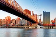 Pont de Queensboro, New York City au lever de soleil Images stock