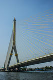 Pont de Rama 8 à Bangkok Thaïlande Photos stock
