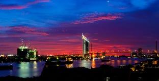 Pont de Rama 9 et rivière de ya de pra de chao Photo libre de droits