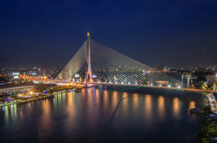 Pont de Rama 8, pont méga à Bangkok Thaïlande Photo libre de droits