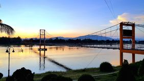 pont de Rattanakosin Sompoch de 200 ans, Tak, THAÏLANDE Image stock