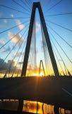 Pont de Ravenel au coucher du soleil images libres de droits