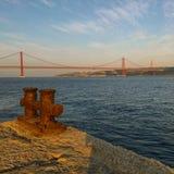 Pont de rivière Photos stock