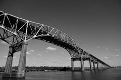 Pont de rivière de Calcasieu de cru, ou pont commémoratif de la deuxième guerre mondiale de la Louisiane images stock