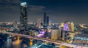 Pont de Saphan Taksin à Bangkok thailand Photos stock