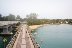 Pont de Sarasin, lien entre la terre principale de la Thaïlande et île de Phuket Image stock