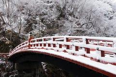 Pont de Shinkyo à Nikko, Japon en hiver Image stock