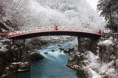 Pont de Shinkyo à Nikko, Japon en hiver Images libres de droits