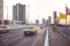 Pont de Taksin ou pont de Sathorn à Bangkok photo stock
