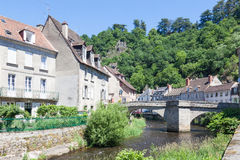 Pont de Terrade sobre o rio Creuse, Aubusson, Creuse, Limousi Imagens de Stock