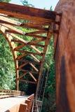 Pont de Tioga au-dessus de la rivière du nord d'Umpqua images stock