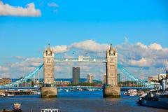 Pont de tour de Londres sur la Tamise photographie stock libre de droits