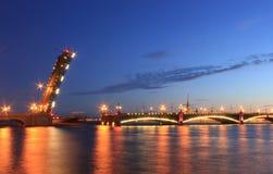 Pont de Troitsky, St Petersbourg, Russie image libre de droits