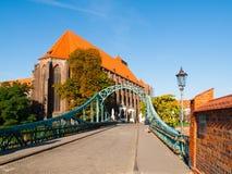 Pont de Tumski et église de St Mary à Wroclaw Photo libre de droits