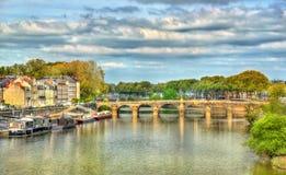 Pont de Verdun, μια γέφυρα σε ολόκληρο το Μαίην στη Angers, Γαλλία Στοκ εικόνα με δικαίωμα ελεύθερης χρήσης