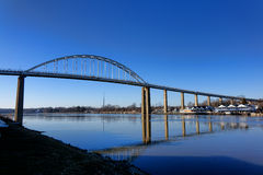 Pont de ville de chesapeake au-dessus du canal de C&D photo stock