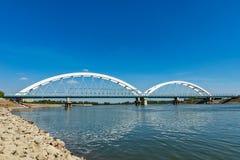 Pont de Zezelj au-dessus de Danube à Novi Sad images libres de droits