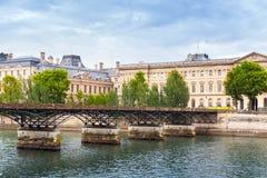 Pont des Arts, γέφυρα πέρα από τον ποταμό Σηκουάνας στο Παρίσι Στοκ Φωτογραφία