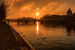 Pont des Arts con Ile de la cité Sunrise fotos de archivo libres de regalías