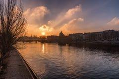 Pont des Arts con Ile de la cité Sunrise imagen de archivo