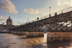 Pont des Arts och Institut de France Arkivfoto