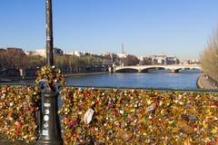 Pont des Arts und Eiffelturm Lizenzfreies Stockfoto