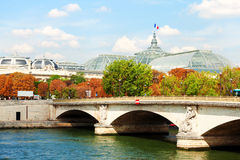 Pont des Invalides,巴黎 库存图片