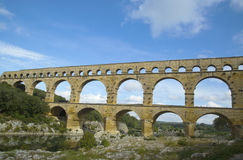 Pont du加尔省,在1世纪广告的古老罗马渡槽桥梁修造 库存照片