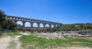 Pont du Гар, часть римского мост-водовода в южной Франции около Nimes, южной Франции стоковое фото rf