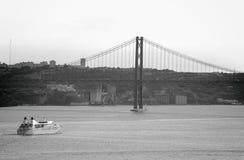 Pont du 25 avril à Lisbonne Images libres de droits