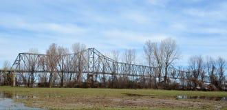 Pont du Caire la rivière Ohio photographie stock