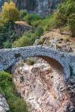Pont du Diable ή η γέφυρα διαβόλων είναι μια ρωμαϊκή γέφυρα που εκτείνεται Στοκ φωτογραφία με δικαίωμα ελεύθερης χρήσης